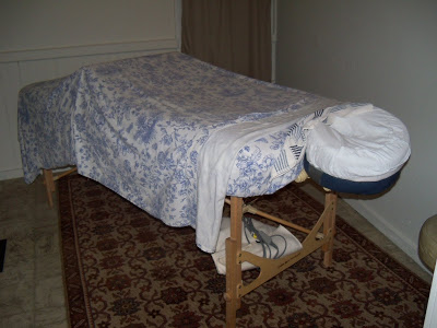 massage table with sheets