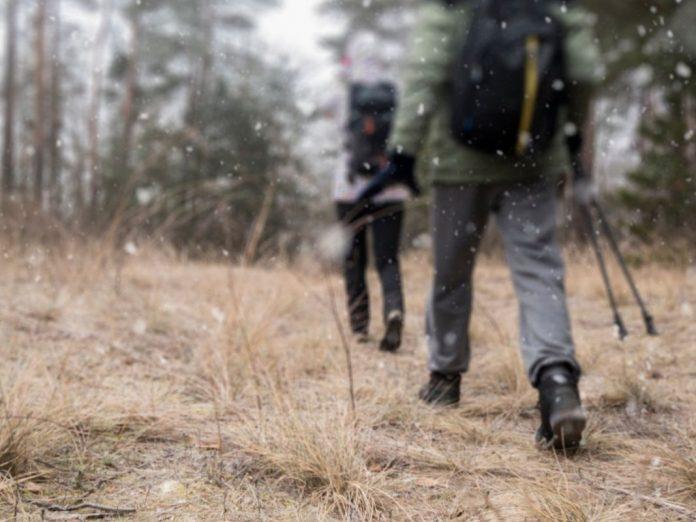 winter-hiking-near-columbus