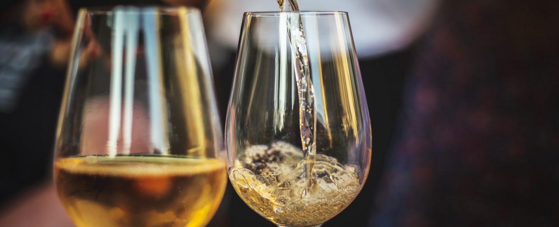 2 glasses of rose champagne